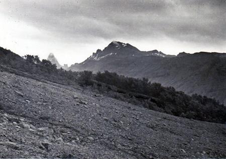 Miðtorfur í Bæjarstað 1935. Ljósm. Hákon Bjarnason.